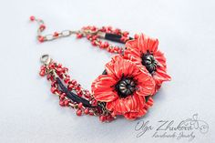 Bracelet with poppies made of polymer clay. Poppies are located on the central element made of polymer clay. Bracelet supplemented suede cord and Czech beads.  The size of the central element 5x3,5 sm (2x1.38 inch) Bracelet length 16 cm (6.3 inch) + extension chain  Tips on caring for handmade jewelry: Do not bathe or wash your face in jewelry; Do not wear jewelry after applying the cream or cosmetics; Do not expose jewelry polish , perfumes or deodorants. These substances (as well as sea…