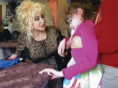 Teen meets Dolly Parton, thanks to Make-A-Wish