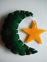 Tutorial Crescent Moon Magnet - would make a nice small gift for Eid - or perhaps a Craft Party for kids prior to Eid.