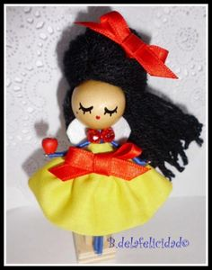 Broche de blancanieves/snow white doll brooch