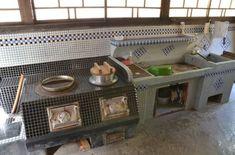 古民家再生 釜戸:暮らし宿 広島県 Fixer Upper Kitchen, Kitchen Stove, Japanese Kitchen, Japanese House, Kitchen Layout, Kitchen Design, Japan Room, Japanese Interior, Retro Home