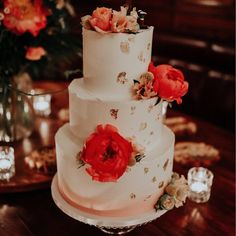 Yolk (@cakesby_yolk) • Instagram photos and videos Buttercream Cake, Wedding Cakes, Beautiful Pictures, Photo And Video, Videos, Desserts, Photos, Instagram, Food