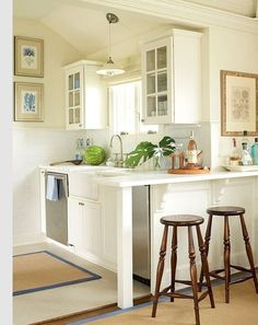 ** I love the barstool tabel area for entery. Make your kitchen feel bigger!