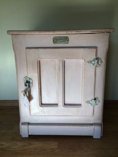 Galanz 3.1 cu ft Double Door Cream Cabinet and Door with Retro ...