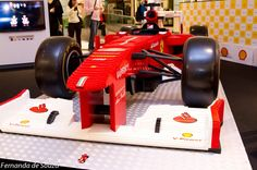 BarraShopping expõe Ferrari feita de LEGO • Barrazine