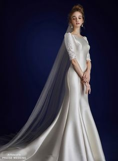 This vintage-inspired gown from Jubilee Bride & Amoura Lee Eun Suk is timelessly elegant! » Praise Wedding Community