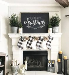 Learn how to recreate this amazing black and white rustic Christmas mantel! Spruce up your holiday decor this year with this simple but HUGELY effective display! Treatment Projects Care Design home decor Farmhouse Christmas Decor, Country Christmas, Christmas Home, Farmhouse Decor, Christmas Holidays, Christmas Crafts, Buffalo Check Christmas Decor, White Christmas, Modern Farmhouse