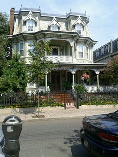 notvickivale: Victorian house in Cape away, NJ.