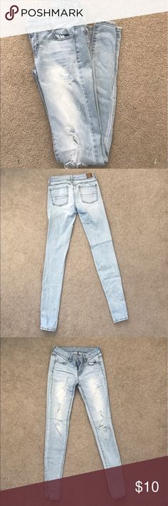 American Eagle Jegging in size 2 x-long American Eagle Jegging in size 2 x-long. Ripped jeans. Like new. Light wash. American Eagle Outfitters Jeans Skinny