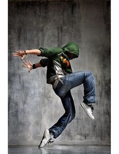 male dancer dancing in the street - Dance World 2020 Parkour, Shall We Dance, Lets Dance, Dance Hip Hop, Dance Aesthetic, Image Mode, The Dancer, Dance Like No One Is Watching, Dance Movement
