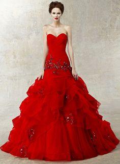 elegante dame - rote kleider  - sehr üppig