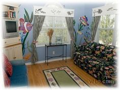 """""""Fish Room"""" den with sofa bed"""
