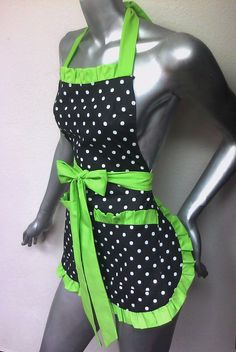 Love polka dots & green! If only I could cook!
