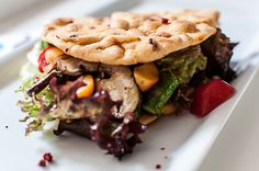 vegan salad with apricots, asparagus and mushrooms   ///  Vegane Tortillataschen mit grünem Spargel, Aprikosen und Physalis
