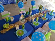 Little Rynoceris 's Birthday / Baby Shark - Photo Gallery at Catch My Party 2nd Birthday Party For Boys, Shark Birthday Cakes, Baby Boy Birthday, Birthday Ideas, Birthday Party Centerpieces, Birthday Party Tables, Shark Party Decorations, Baby Shark, Party Ideas