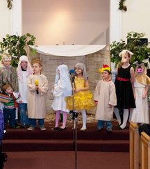 Babe Was Born On Christmas Morn Skit - Set to the tune of Old McDonald this Bible song about the birth of Jesus will have kids mooing and clucking to a lively tune. Dress children in costumes and a simple Christmas Bible song becomes a great Christmas program for smaller children using the nativity.