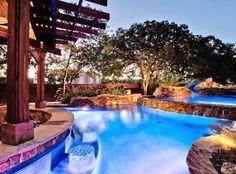 Amazing backyard pool!