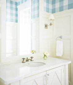 Wainscoting bathroom walls. Muskoka Living Interiors Inc.