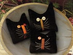 Primitive Kitty Cat Halloween Herbst Bowl Fillers primitive Katzen … … – The World Fabric Crafts, Sewing Crafts, Sewing Projects, Softies, Recetas Halloween, Wooly Bully, Primitive Crafts, Primitive Snowmen, Primitive Christmas