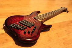 Dingwall Bass Z2 5-string  Beautiful Guitar