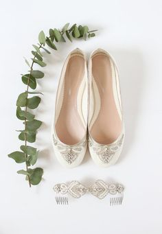 Emmy London Carrie Flat Bridal Shoes and Ophelia Wedding Hair Comb www.emmylondon.com