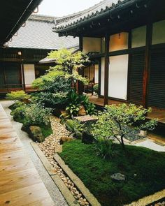 Beautiful Mini Zen Garden Design Ideas 03 To be able to have a great Modern Garden Decoration, it's helpful to … Rock Garden Design, Japanese Garden Design, Japanese House, Japanese Style, Japanese Rock Garden, Japanese Temple, Asian Garden, Mini Zen Garden, Home And Garden