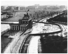Divided Berlin & the dividing wall.