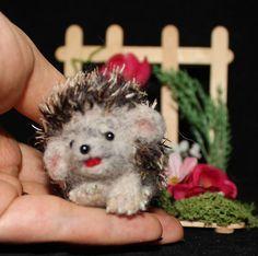 "OOAK 1.5"" Hand Needle Felted hedgehog & garden Artist Natalya PhD Collectables"