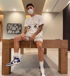 "Zack on Instagram: ""Being quarantined here isn't so bad 😬👏🏽 @vessellforhumanity"" Streetwear Shorts, Mode Streetwear, Streetwear Fashion, Summer Outfits Men, Short Outfits, Boy Outfits, Best Mens Fashion, Unisex Fashion, Style Fashion"