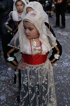giovani..... tradizioni antiche Sardegna   #TuscanyAgriturismoGiratola