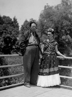 Frida Kahlo and Diego Rivera photograph Frida & Diego by Milras Celebrity Couple Costumes, Diy Couples Costumes, Celebrity Couples, Diy Costumes, Halloween Costumes, Halloween Ideas, Costume Ideas, Frida Kahlo Diego Rivera, Frida And Diego