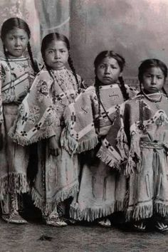 "Lakota girls 1910 Did you know.the song "" 10 little Indians"" was originated in boarding schools. It was made for counting dead Lakota children. Native American Children, Native American Quotes, Native American Indians, Plains Indians, American Symbols, Indian Tribes, Native Indian, Indian Boy, Rare Photos"