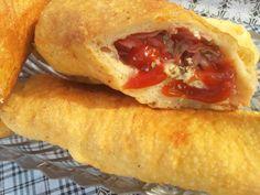 Neodoljive pizza piroške - Recepti - Moja kuhinja - Super žena - na B92.net Cheesesteak, Hot Dog Buns, Sandwiches, Tacos, Mexican, Bread, Ethnic Recipes, Food, Serbian
