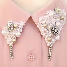 collar tips.