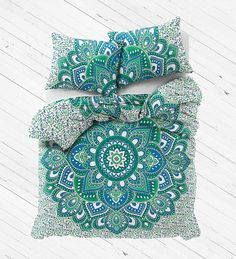 Duvet Fits a Full Size Comforter and looks great on a twin size or full size bed. - MADE IN INDIA:-Beautifully Hand Crafted By Local Artists - A wonderful example of Indian craftsmanship. - Green and
