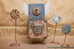 Mixed Media and more: Stampendous! / DecoArt - Blog Hop - Day 4. Elly