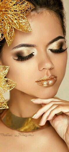 Butterfly spirit ♡ gold & black with gold ♡ gold fashion, go Gold Makeup, Makeup Art, Beauty Makeup, Eye Makeup, Makeup Ideas, Makeup Tips, Or Noir, Shades Of Gold, Festival Makeup