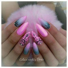 Great Photographs Toe Nail Art diy Suggestions Typically when we feel regarding ft . Red Nail Art, Pink Nails, Sparkle Nails, Red Nail Designs, Acrylic Nail Designs, Henna Nails, Henna Nail Art, Butterfly Nail Art, Dope Nails