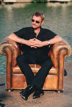 Ben oui c'était toi le boss. Repose en paix Johnny Johnny Halliday, Laetitia, Alain Delon, Boss, Hipster, Concert, People, Slc, Rockers