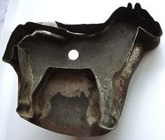 wooow!! love to hang antique cookie cutter w/handle on kitchen Christmas tree!!