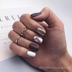 On average, the finger nails grow from 3 to millimeters per month. If it is difficult to change their growth rate, however, it is possible to cheat on their appearance and length through false nails. Are you one of those women… Continue Reading → Cute Acrylic Nails, Cute Nails, Pretty Nails, Holiday Nails, Christmas Nails, Halloween Christmas, Simple Christmas, Fall Nail Art Designs, Colorful Nail Designs