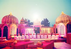 Palace Wedding in Udaipur, India - An Indian style of wedding has always been a kind of experience not only for You.Palace Venues to make you stay in royal style and taking your wedding vows.