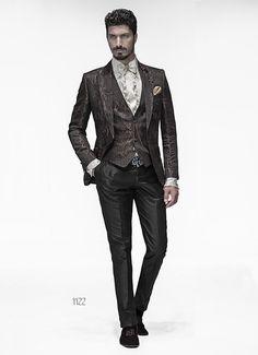 Abito sposo con giacca marrone damascata