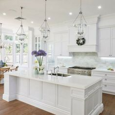 americankitchen1 White Kitchen Cabinets, Kitchen Cabinet Design, Interior Design Kitchen, Home Design, Kitchen Designs, Kitchen White, Modern Interior, Kitchen Sinks, Kitchen Backsplash
