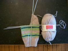 Slipper Socks, Slippers, Knitted Hats, Points, Knitting, Inspiration, Fashion, Over Knee Socks, How To Knit Socks
