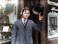 Ahead of his time eighteen year old inventor H. Day wearing headphones attached to a wireless under his top hat on May 1922 in UK British Inventors, How To Make Shorts, How To Wear, Rare Historical Photos, Native American Girls, London Photographer, Style Guides, Cool Kids, Outfit Of The Day