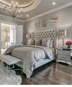 36 Fabulous Luxury Bedroom Design Ideas With Classy Looks - A number of interior designers have had successes from previous designs that capture the plain white room into something that can distract an owner de. Modern Master Bedroom, Master Bedroom Layout, Trendy Bedroom, Minimalist Bedroom, Bedroom Colors, Home Decor Bedroom, Master Suite, Bedroom Furniture, Master Bedrooms