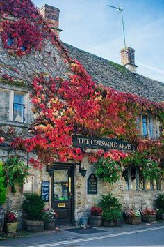The Cotswolds Arms in Burford - Oxfordshire, England British Pub, British Isles, The Places Youll Go, Places To Go, English Village, British Countryside, England And Scotland, Amalfi, Great Britain