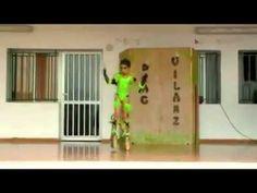 Menino faz Apresentação de Drag Queen na escola