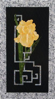 Good Fortune Iris Quilt Pattern GGA-303 (intermediate / advanced, wall hanging)